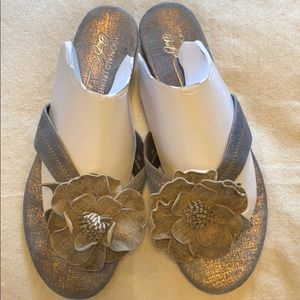 Donald J Pliner light metallic sandal.